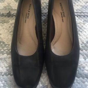 White Stag brown heels